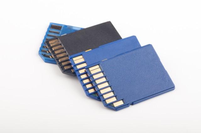 Cartes mémoire: standardisation autour des cartes SD?